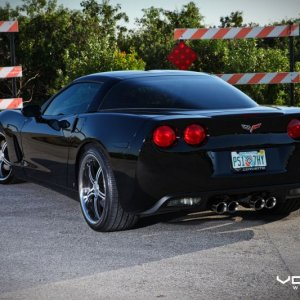 Vossen Photoshoot:  Black C6 on Matte Black Machined VVS087