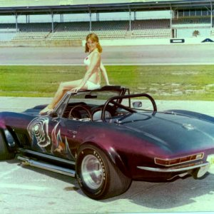 8_025_May_1974-_Sharon_at_Daytona_Speedway